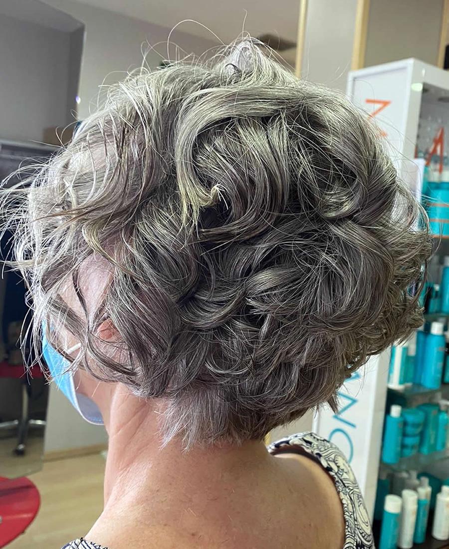 coloracion cabello gris plata