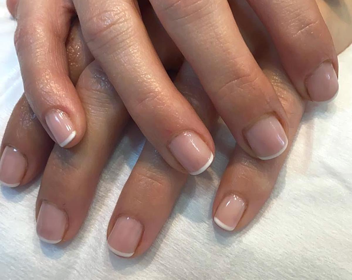 manicura uñas francesas opi