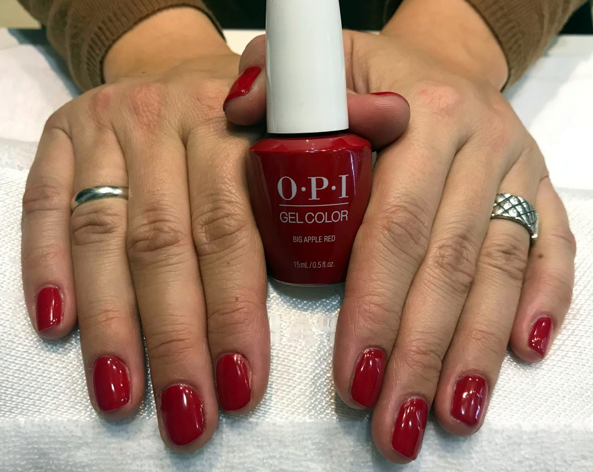 manicura uñas permanentes opi color rojo